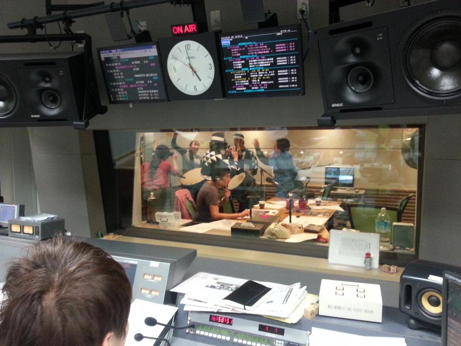 Photo: Erika Ueda ABCラジオ「武田和歌子のぴたっと。」に坂本雅幸、草洋介、地