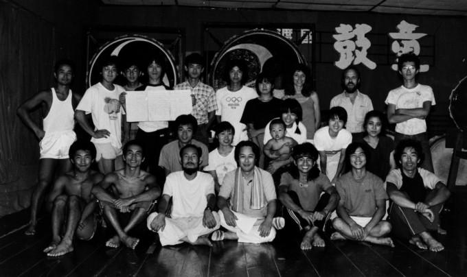 1983年佐渡・大小稽古場にて