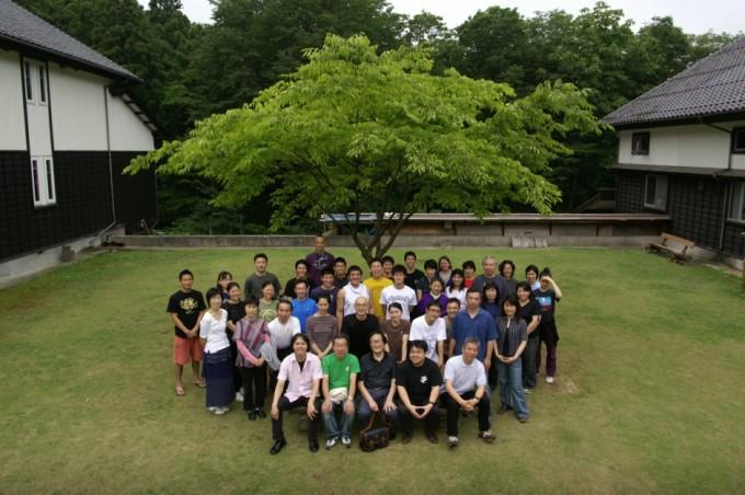 冨田さんとの集合写真(2008年鼓童村稽古期間に撮影)